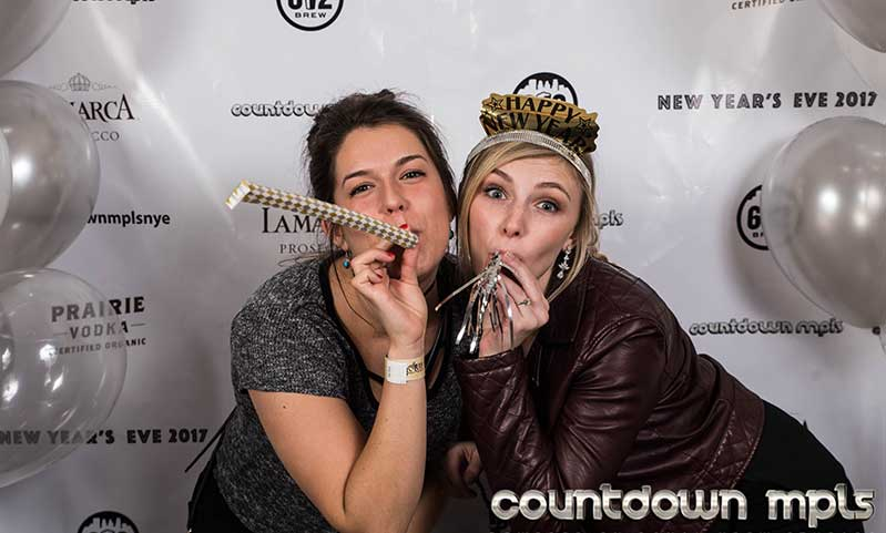 Minneapolis New Years 2019-Photo Booth Two girls